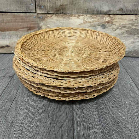 Wicker paper plate holders circle wall baskets 70s